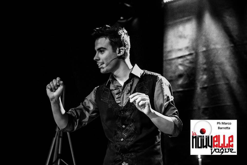 """foto tratta da """"Narrativa Magica"""" lo spettacolo di Francesco Micheloni andato in scena per una settimana al Teatro Millelire di Roma"""